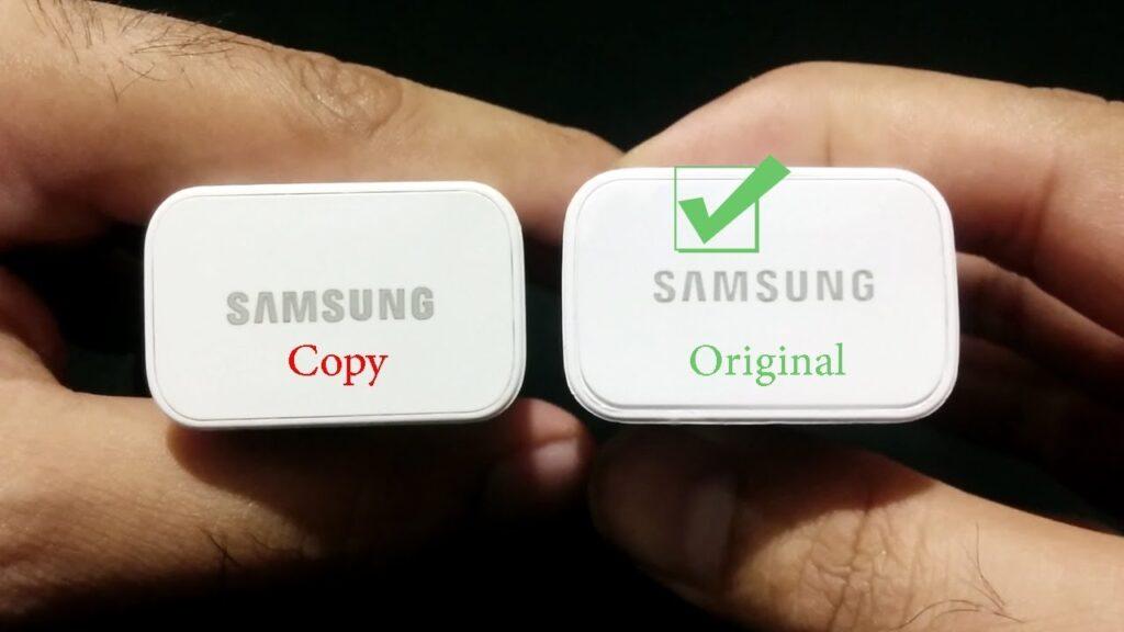 Observe a diferença entre a escrita da palavra Samsung (Imagem: mobilefun.co.uk)