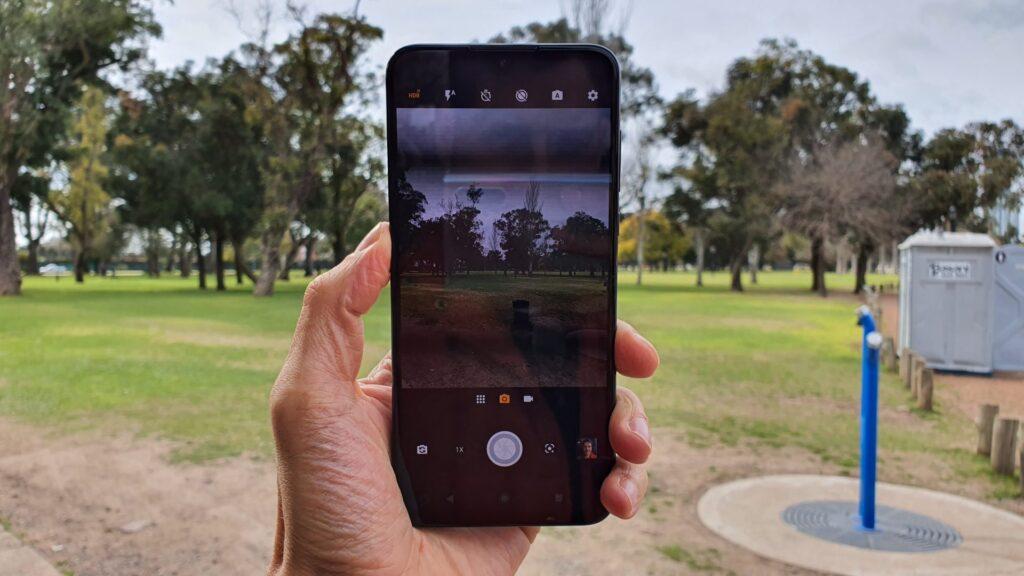 REVIEW: Motorola One Zoom vem equipado com tudo de melhor da linha One