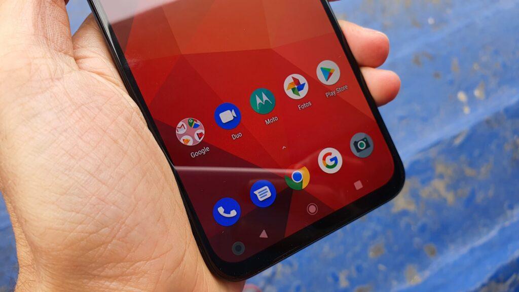 Android é quase puro, mas não traz a versão One