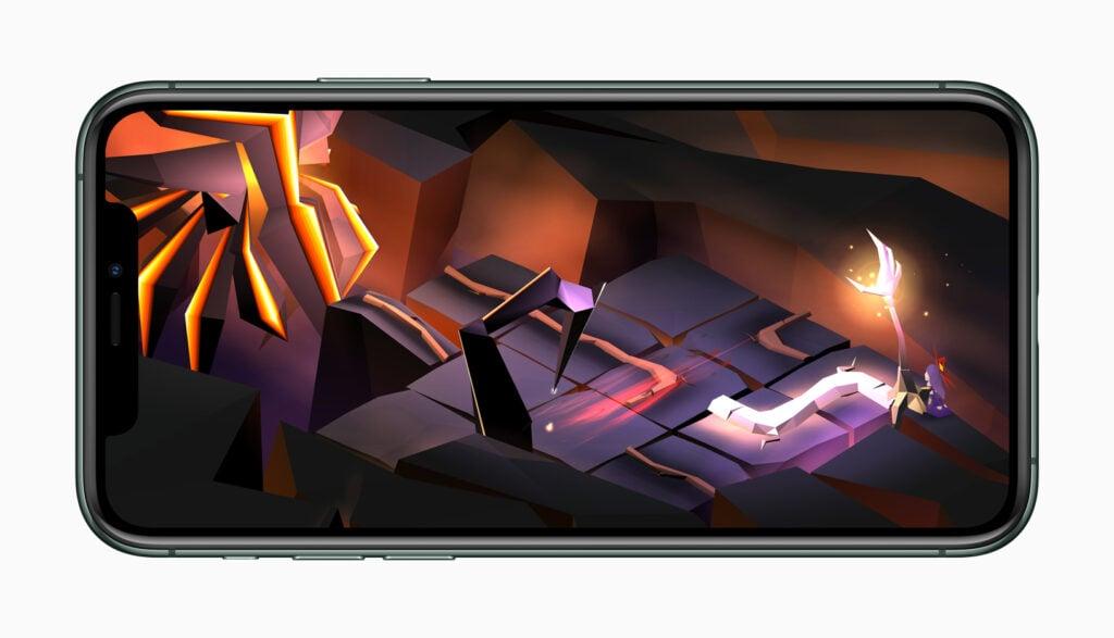 A performance sonora do iPhone 11 fica mais evidente ao jogar games ou assistir vídeos