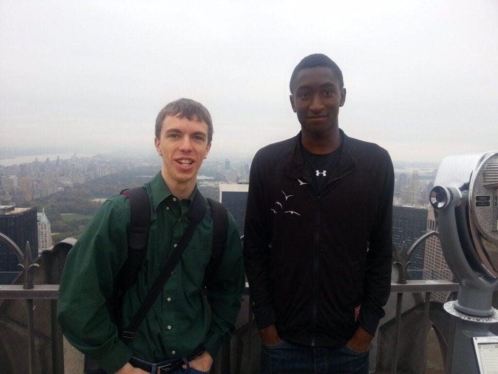 Austin e Brandon são dois YouTubers mundialmente famosos que falam de tecnologia