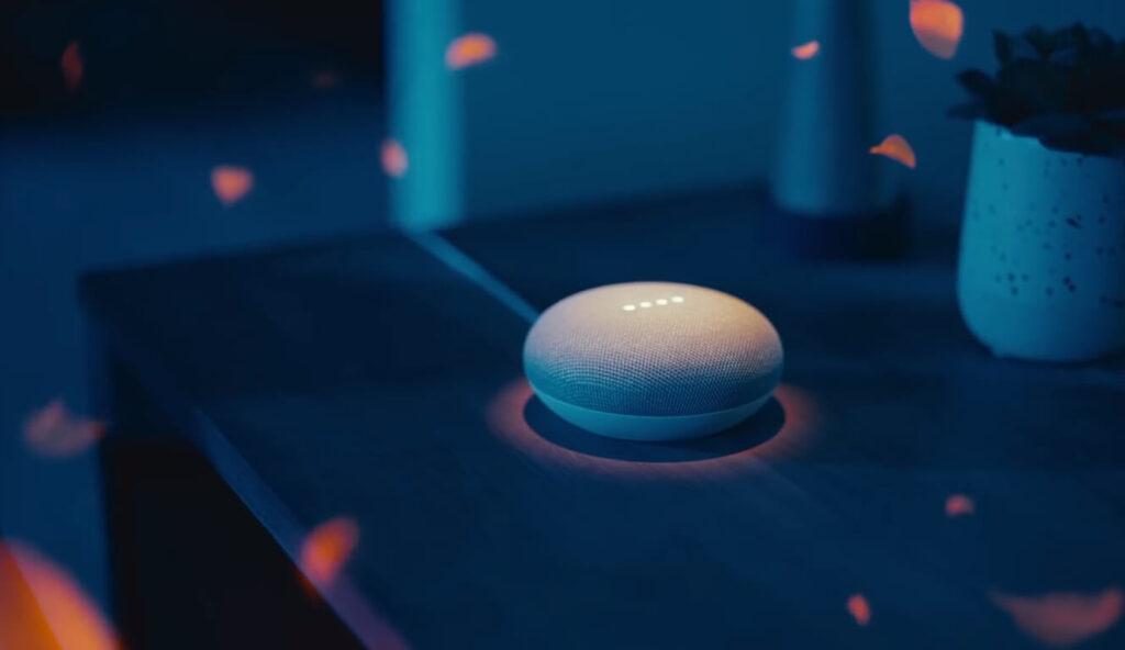 Especula-se que o Google Nest Mini venha para rivalizar com o Alexa da Amazon