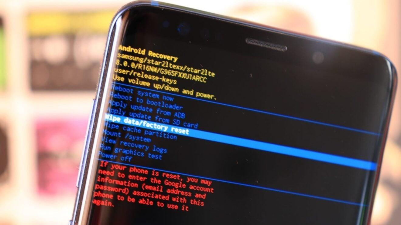 procedimento de hard reset em smartphones android