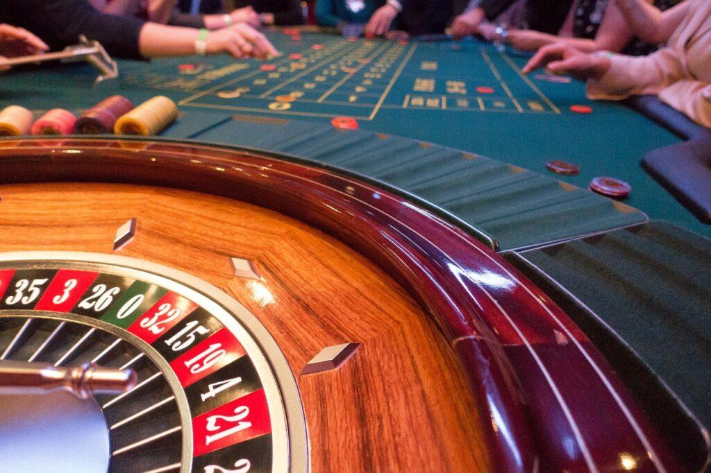 As roletas são tradicionais em jogos de apostas, onde você coloca toda sua sorte em uma rodada