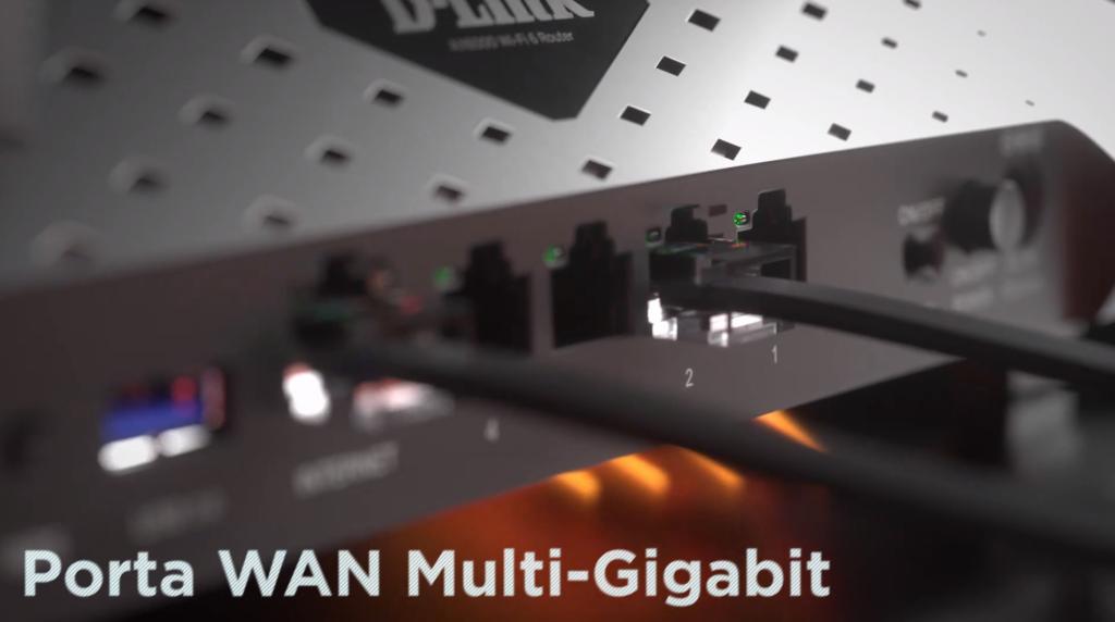 Na parte traseira você consegue conexões com até 2500Mbps (2,5Gbps)