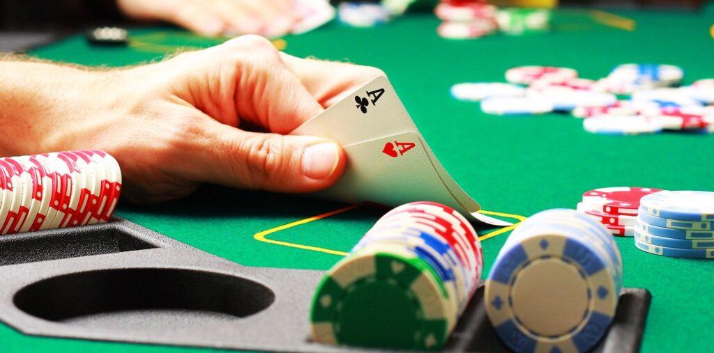 Nada a comentar sobre o poker, jogo mias famoso entre os jogadores