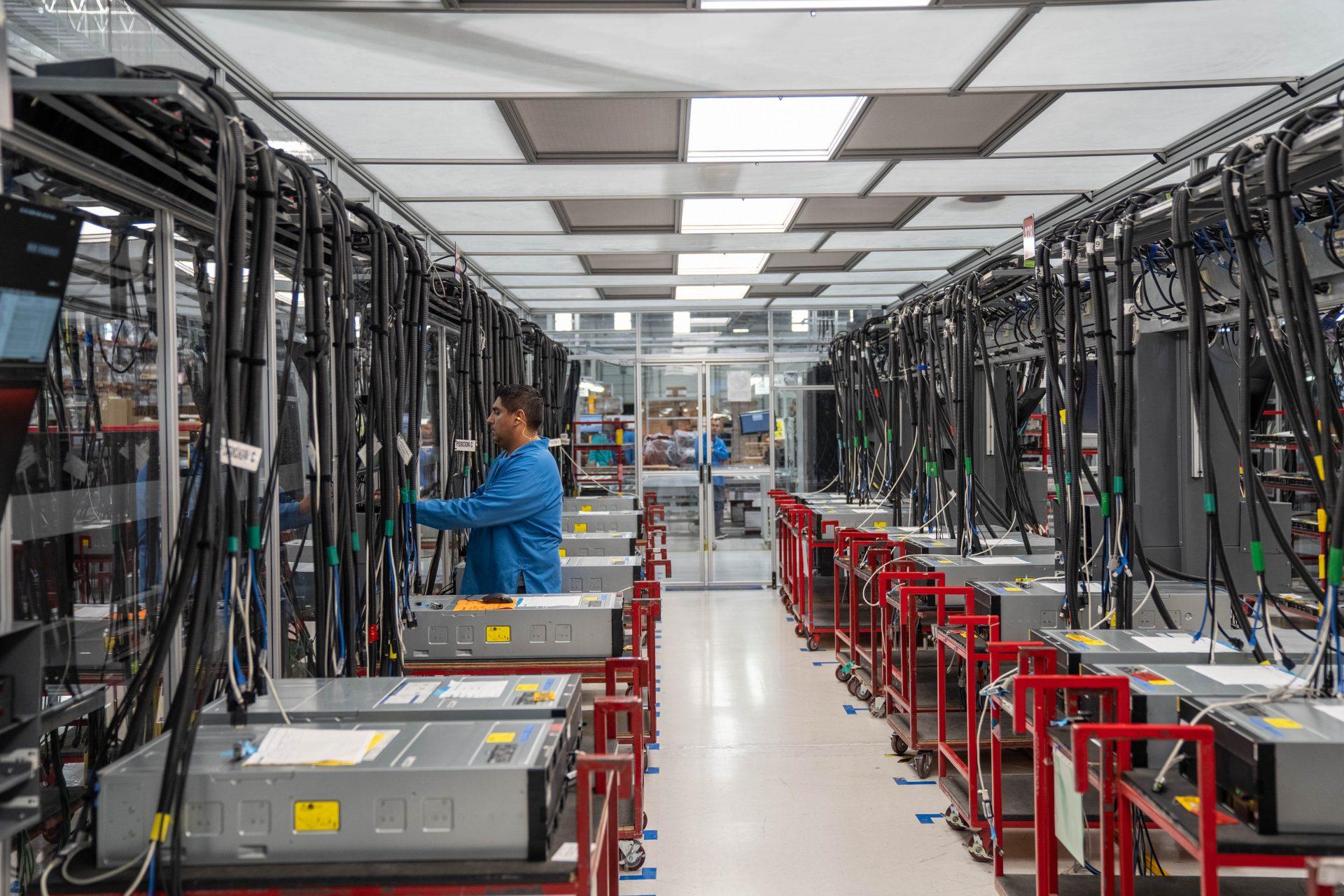 O Showmetech foi até o México para conhecer uma das mais inovadoras fábricas da Lenovo; confira nossa imersão