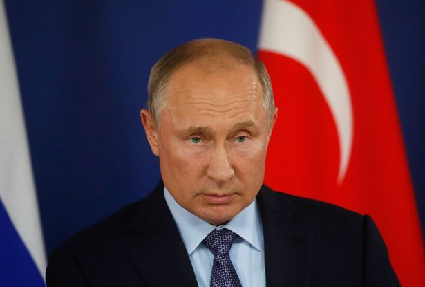 Vladmir putin assinou em maio a lei que já está em vigor