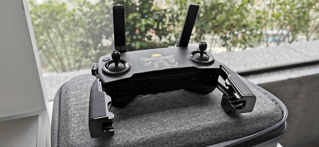 Dji mavic mini é lançado oficialmente no brasil. A dji lançou no brasil o mavic mini, um mini drone compacto que pesa apenas 249 gramas e chega por r$ 4049,00 até o fim de novembro.