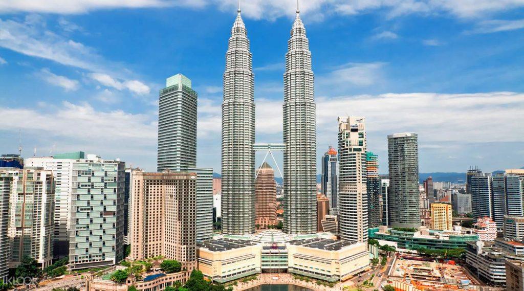 Até julho deste ano, eles são o 14.º edifício mais alto do mundo, com 452 metros