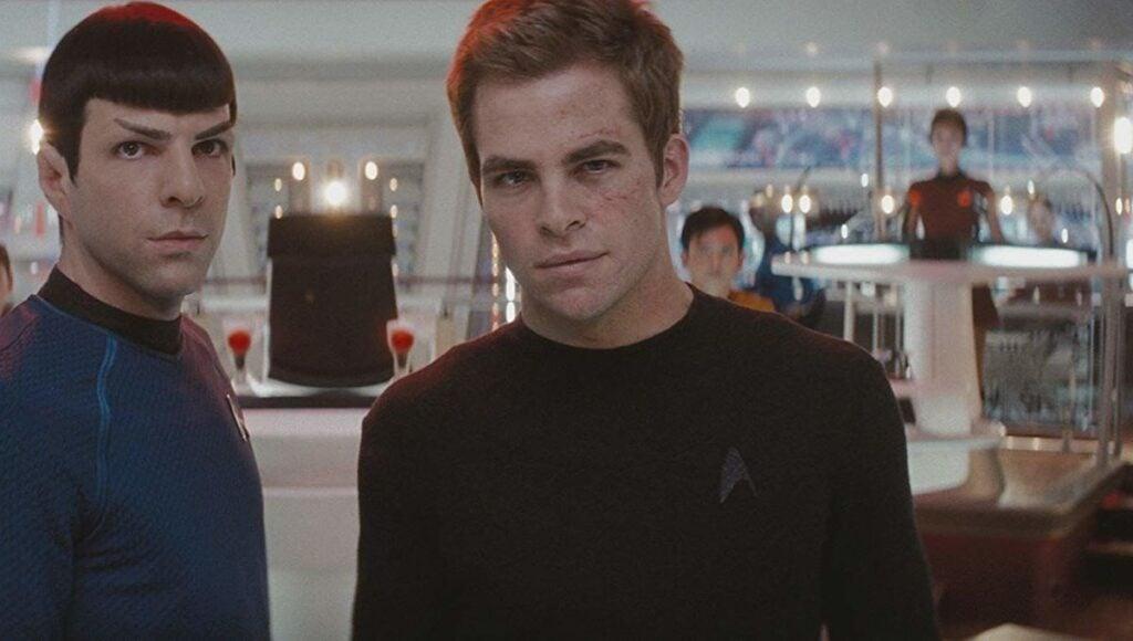 O Capitão Kirk e seu companheiro Spock estão de volta