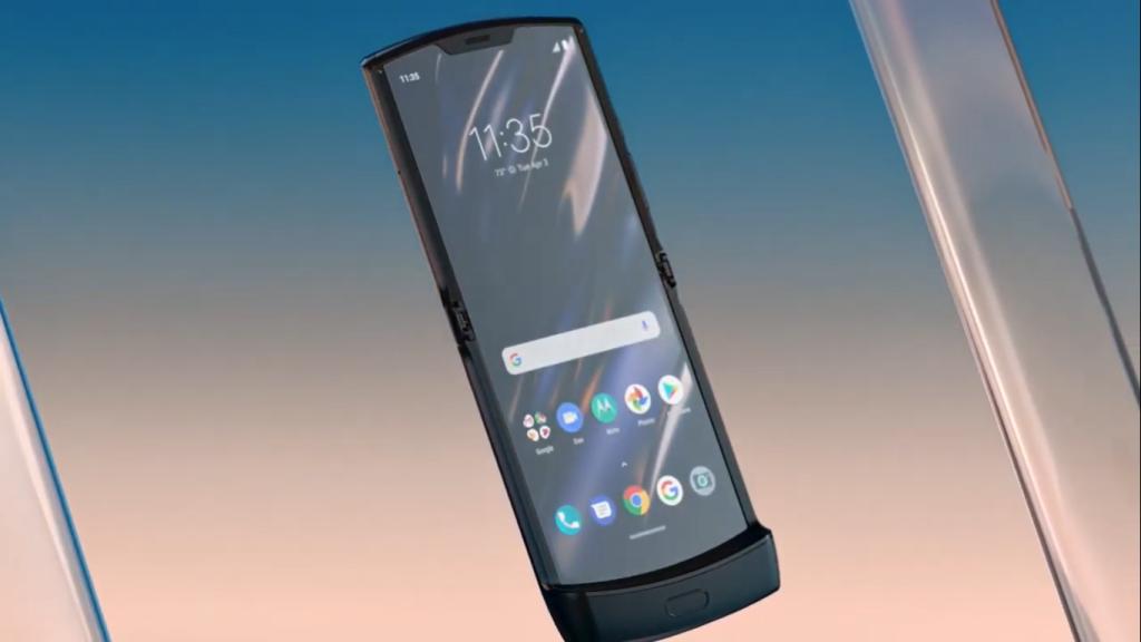Tela principal do Motorola Razr tem 6,2 polegadas com resolução HD