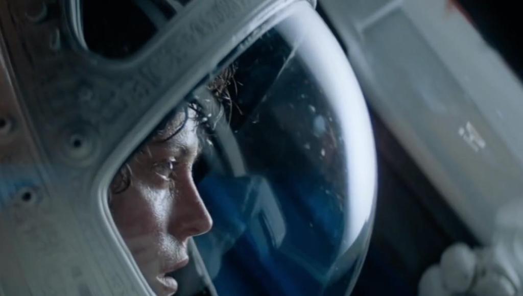 Cabe a tenente Ripley sobreviver e tentar destruir a criatura que matou toda a sua tripulação