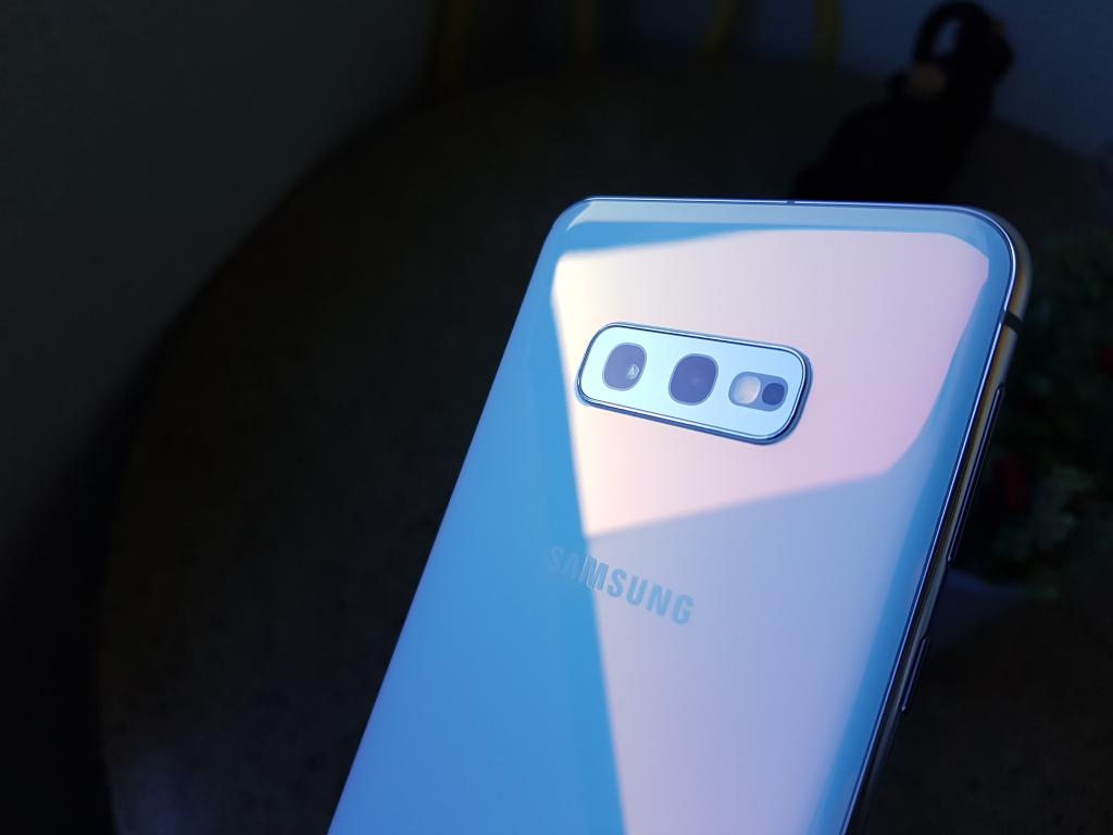 Galaxy S10e, cameras