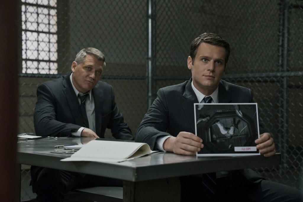 Mindhunter consegue colocar o mundo dos crimes dentro do universo da tv de uma forma brilhante