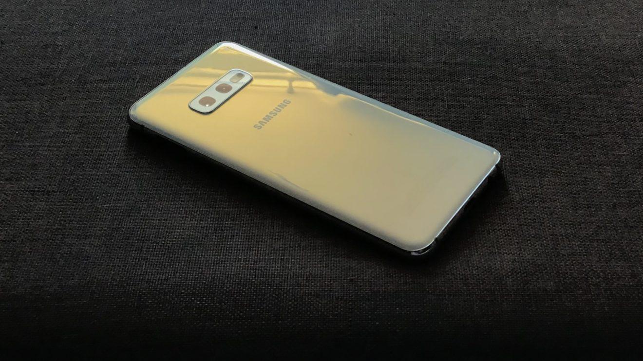 Galaxy S10e: Ainda vale a pena em 2019?