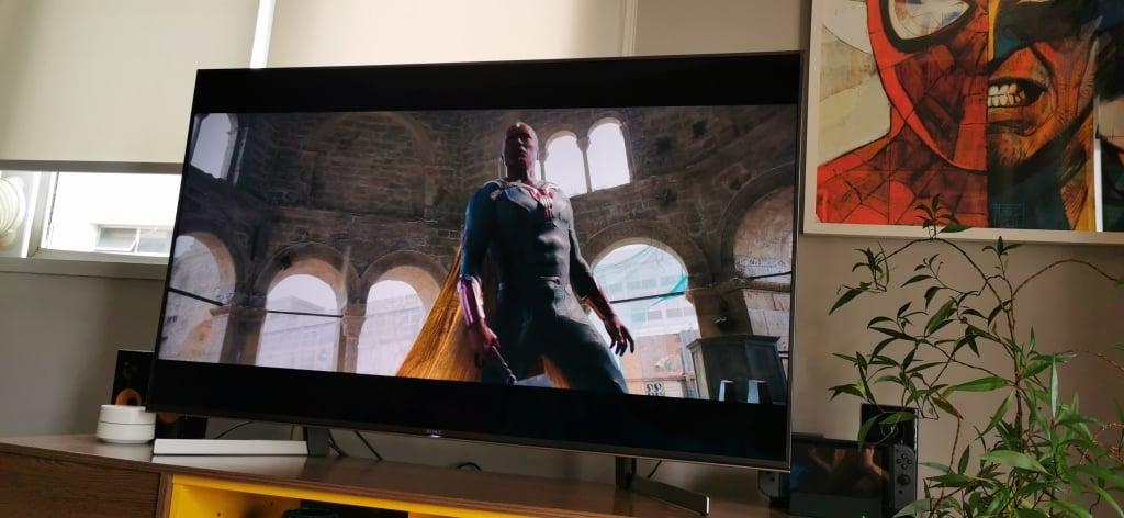 A qualidade do som da TV poderia ser melhorv