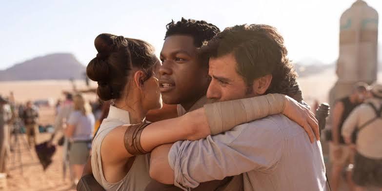 Novo trio de protagonistas da nova trilogia star wars pela disney, finn, poe e rey