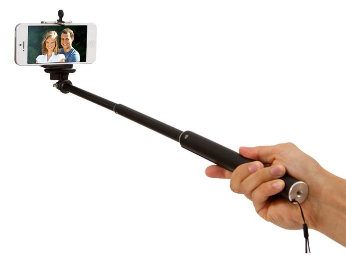 De útil a polêmico, os bastões de selfie foram um dos gadgets que fizeram sucesso