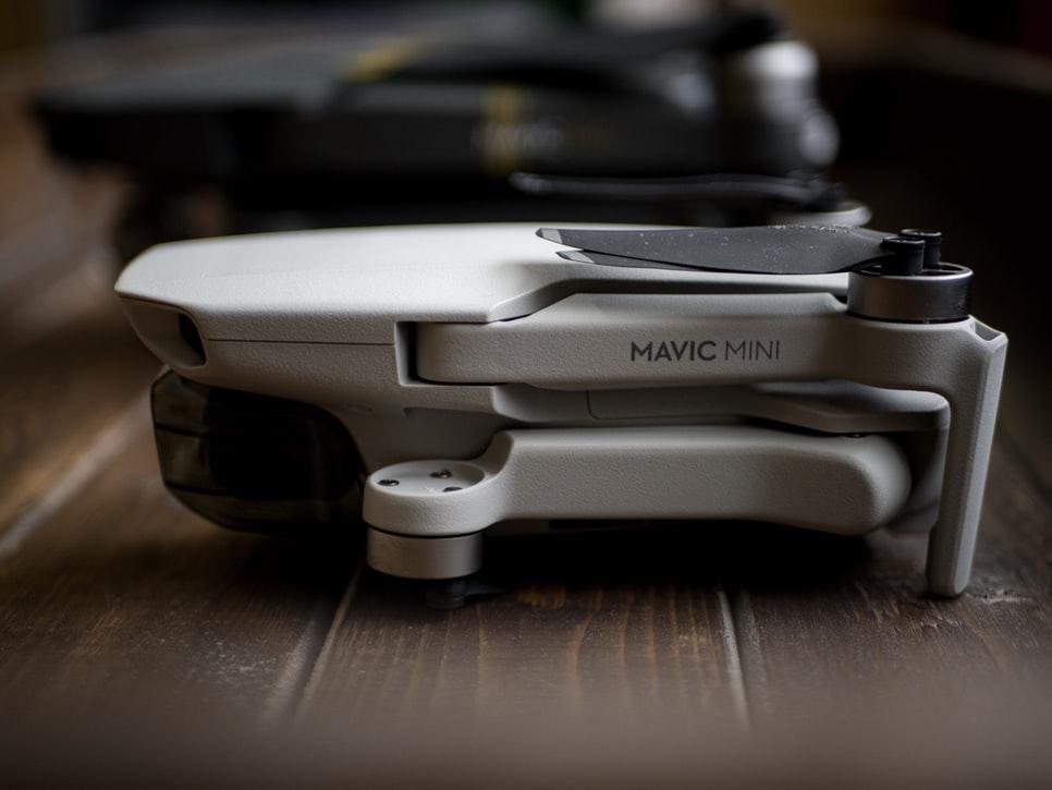 Dji mavic mini é excelente se esse for o seu primeiro drone (imagem: unsplash)