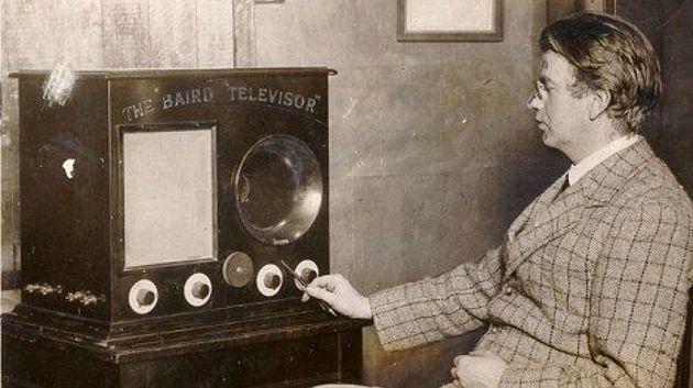 John Logie Baird foi um dos primeiros a transmitir imagens através das ondas do rádio