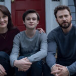 "Michelle Dockery, Jaeden Martell e Chris Evans em ""Defending Jacob"", estréia no dia 24 de abril na Apple TV +"