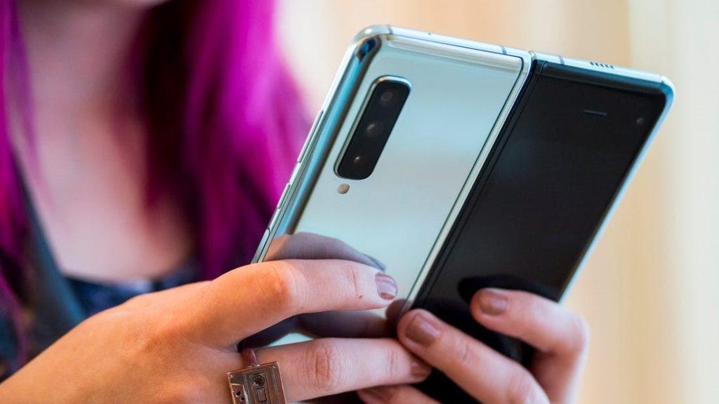 O Galaxy Fold conta com seis câmeras de alta resolução para trazer versatilidade ao usuário