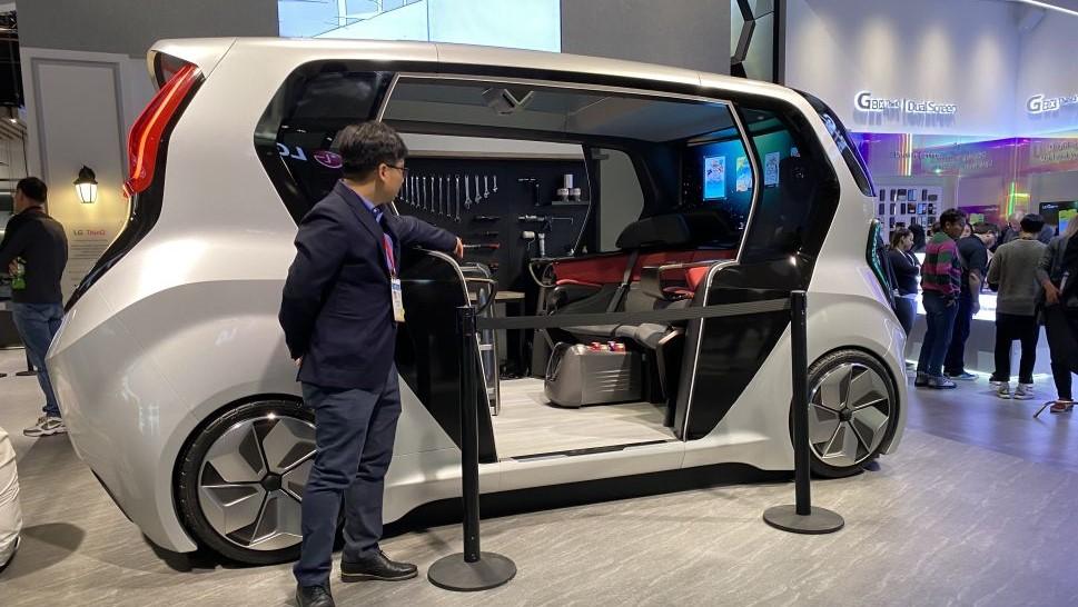 Carro autônomo da LG com sistema WebOS
