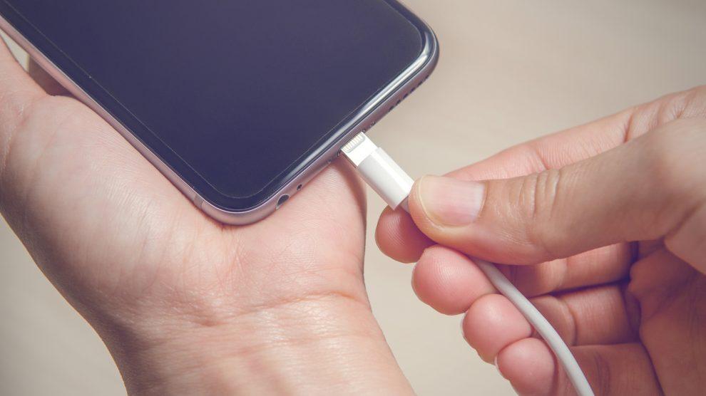 carregando iphone scaled