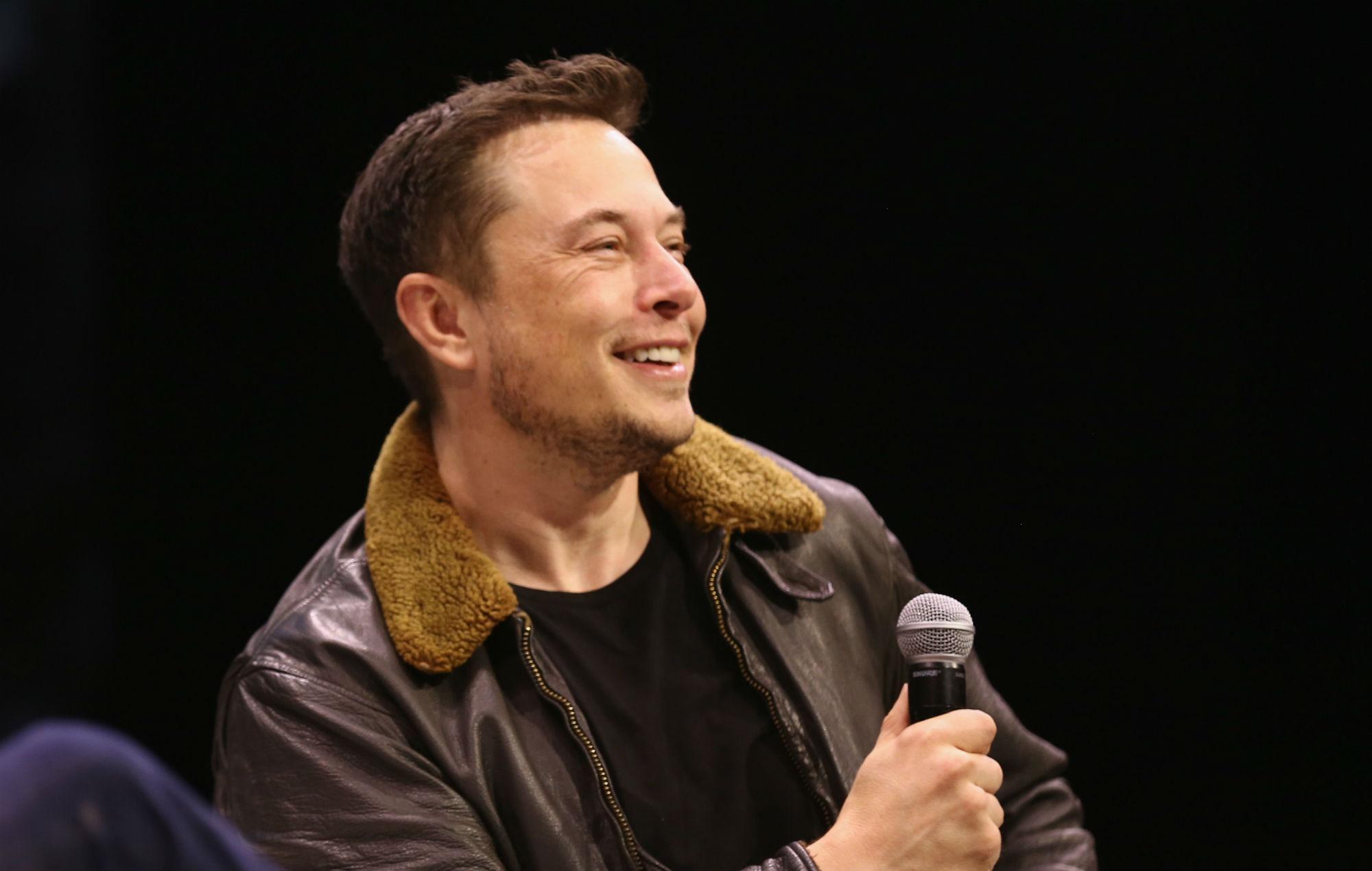 Elonmusk new 2000x1270 2