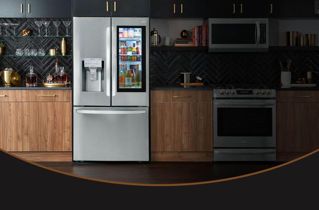 Refrigerador equipado com a tecnologia InstaView da LG permite espiar dentro da geladeira sem abrir a porta.