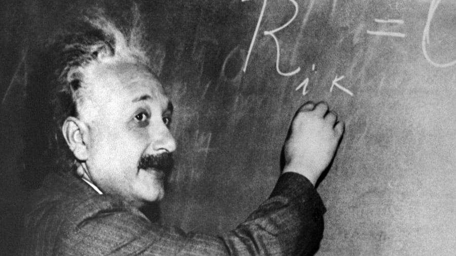 Alber Einstein, a base para toda a astrofísica que conhecemos hoje.