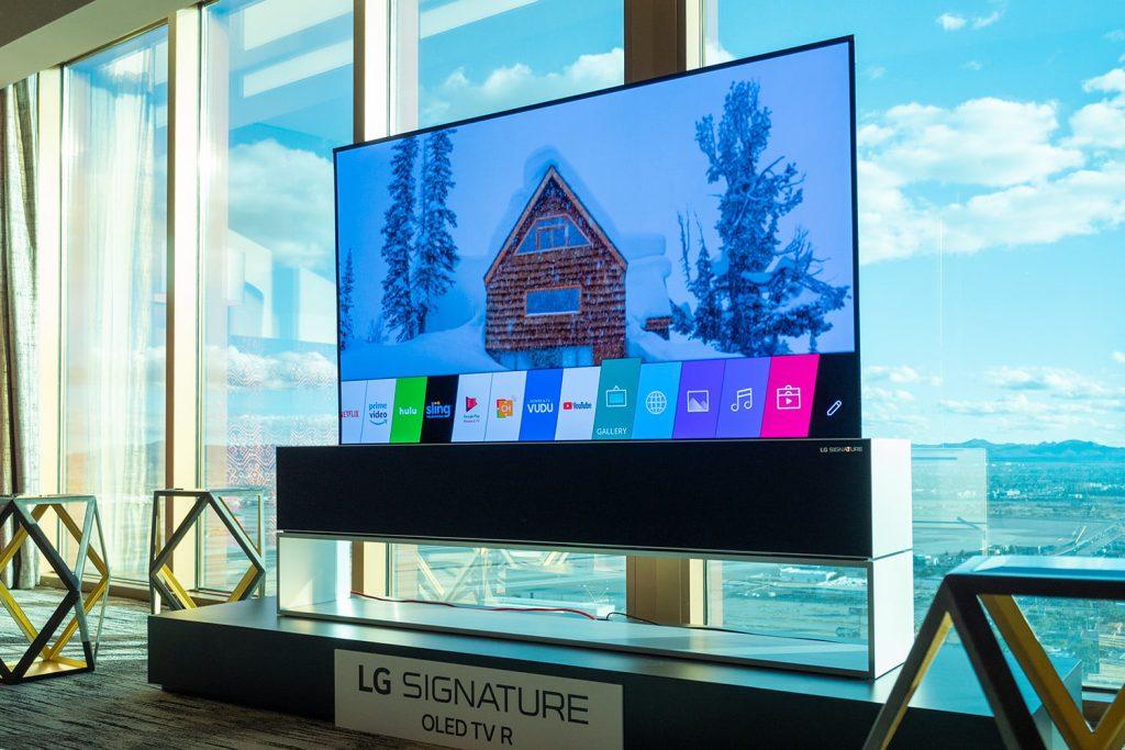 A surpreendente LG Rollable TV (a TV rolável da LG). O modelo será comercializado ainda neste ano