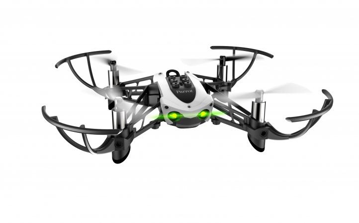 Mambo Fly estático sobre um fundo neutro, um dos melhores drones de 2020