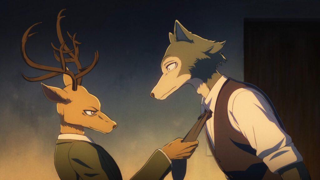 Um cervo, à esquerda, arruma a gravata no pescoço do lobo.