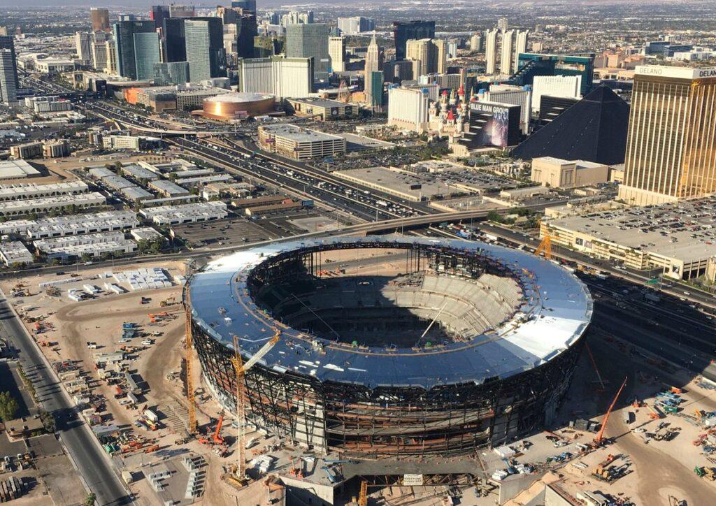 A allegiant stadium é um dos projetos futuristas de 2020