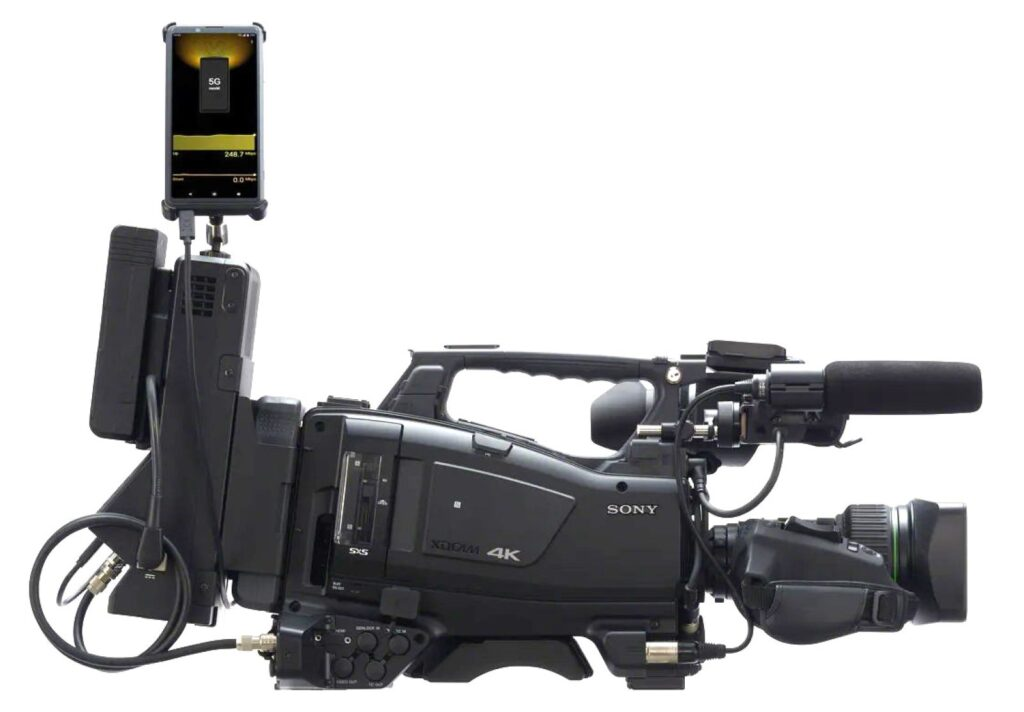 A entrada HDMI do novo Sony Xperia Pro permite acoplar o smartphone a uma câmera profissional (Foto: Divulgação)