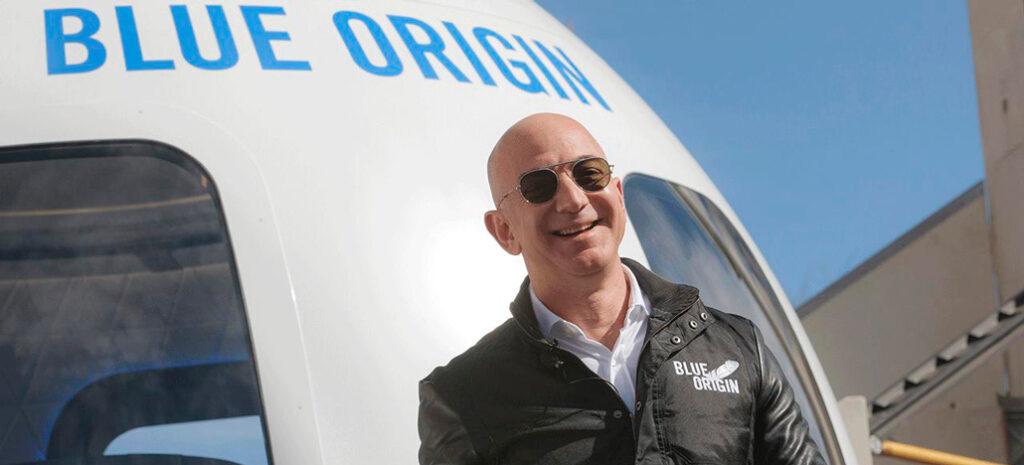 Jeff Bezos, da Amazon, também planeja levar tripulantes ao espaço em sua aeronave Blue Origin. (Foto: Reprodução)