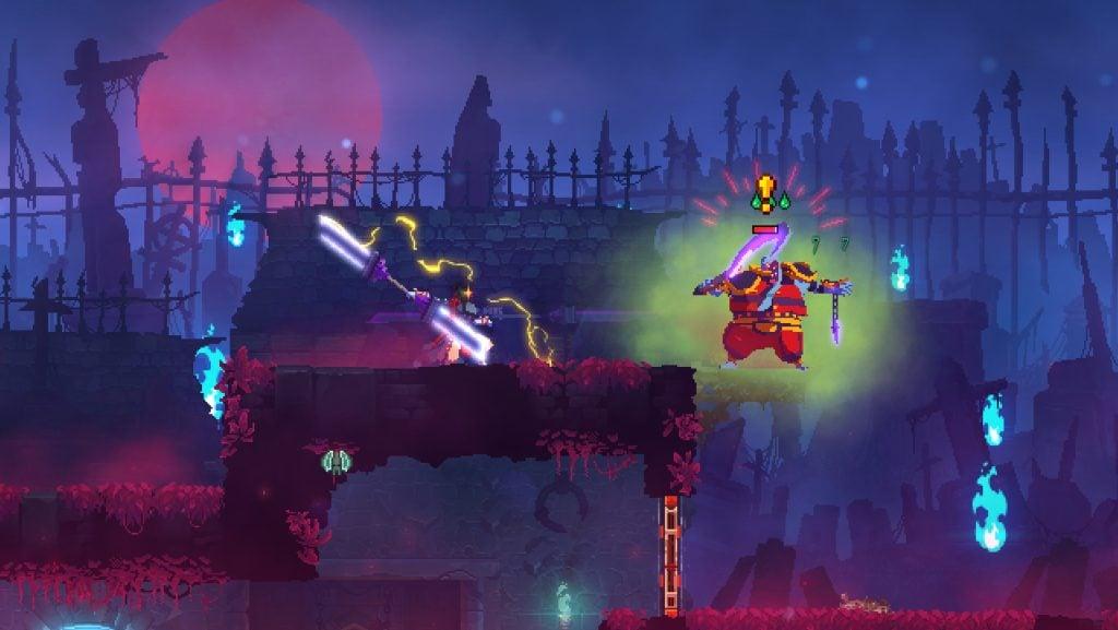Tela de Dead Cells que mostra um combate entre o protagonista e um inimigo em um ambiente externo à noite com luzes ao redor