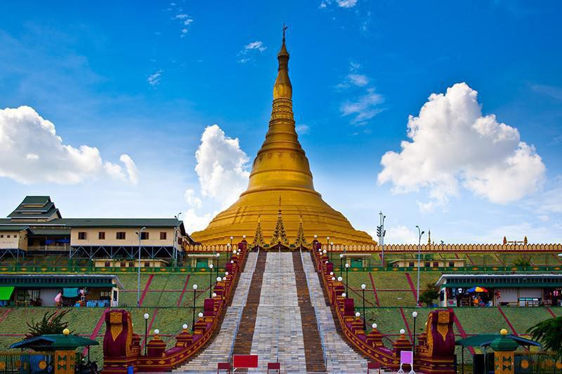 Pagoda dourada em naypyidaw