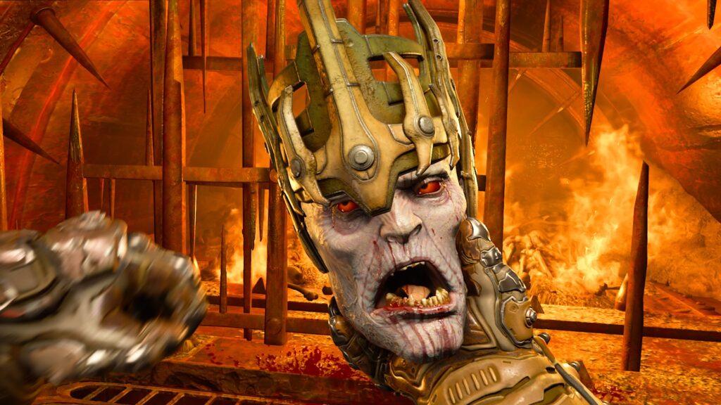 Doom slayer segura uma cabeça na palma de sua mão.