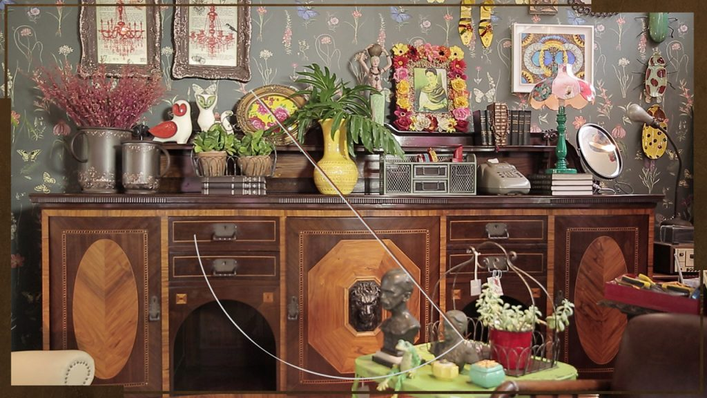 Móvel antigo em casa com atmosfera antiga, no programa admirável móvel novo do gnt