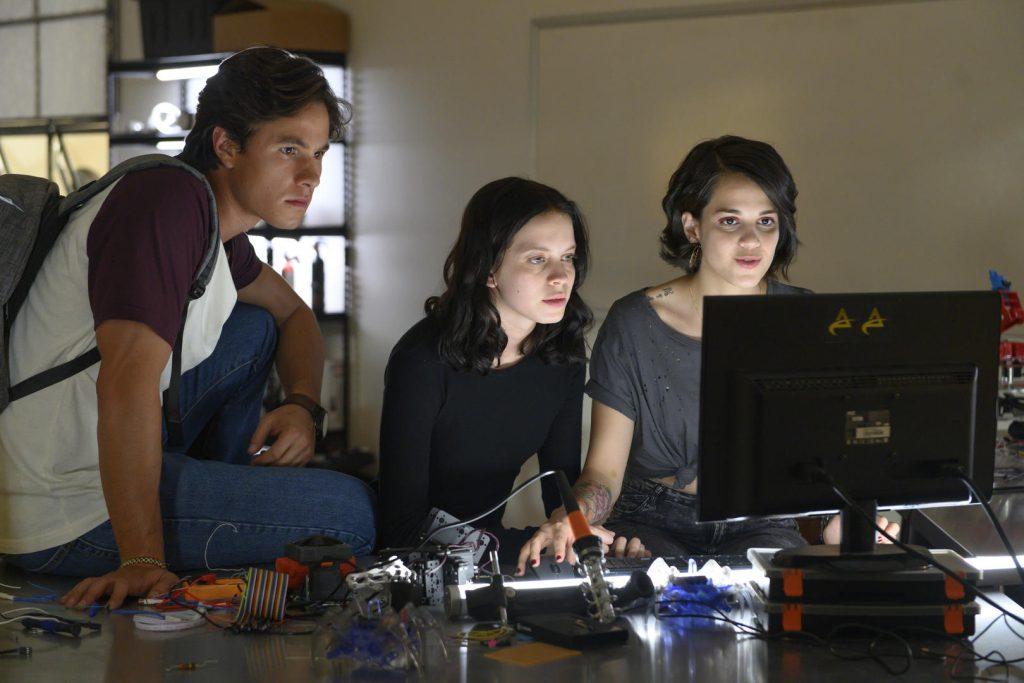 Novidades Netflix em maio: Dinastia, Space Force e filmes do Batman entram no catálogo
