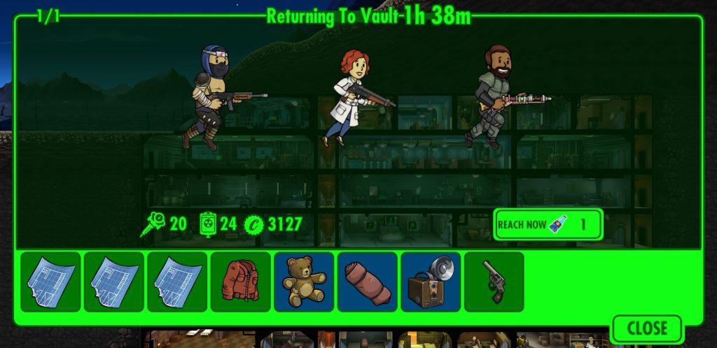 Fallout Shelter com três dwellers voltando de uma missão