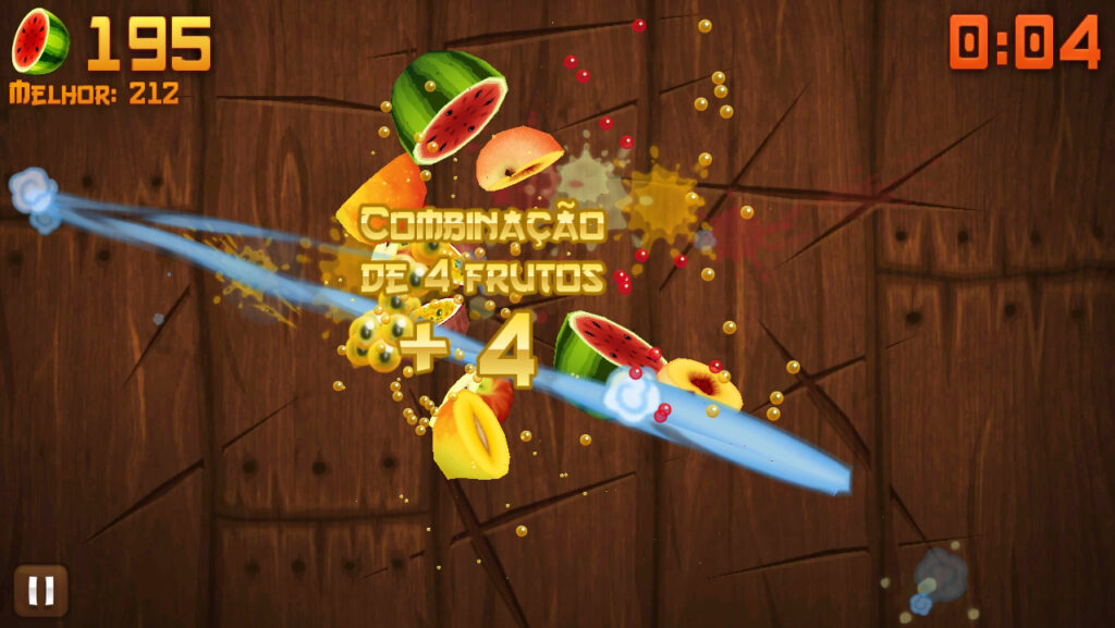 Fruit ninja cortando frutas com combo de 4 na tela