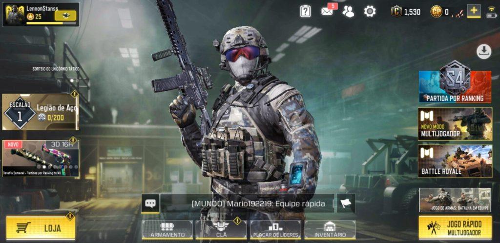 Call of Duty Mobile no menu principal, onde pode-se ver modos de jogo, nível do escalão, nível do jogador e áreas de customização