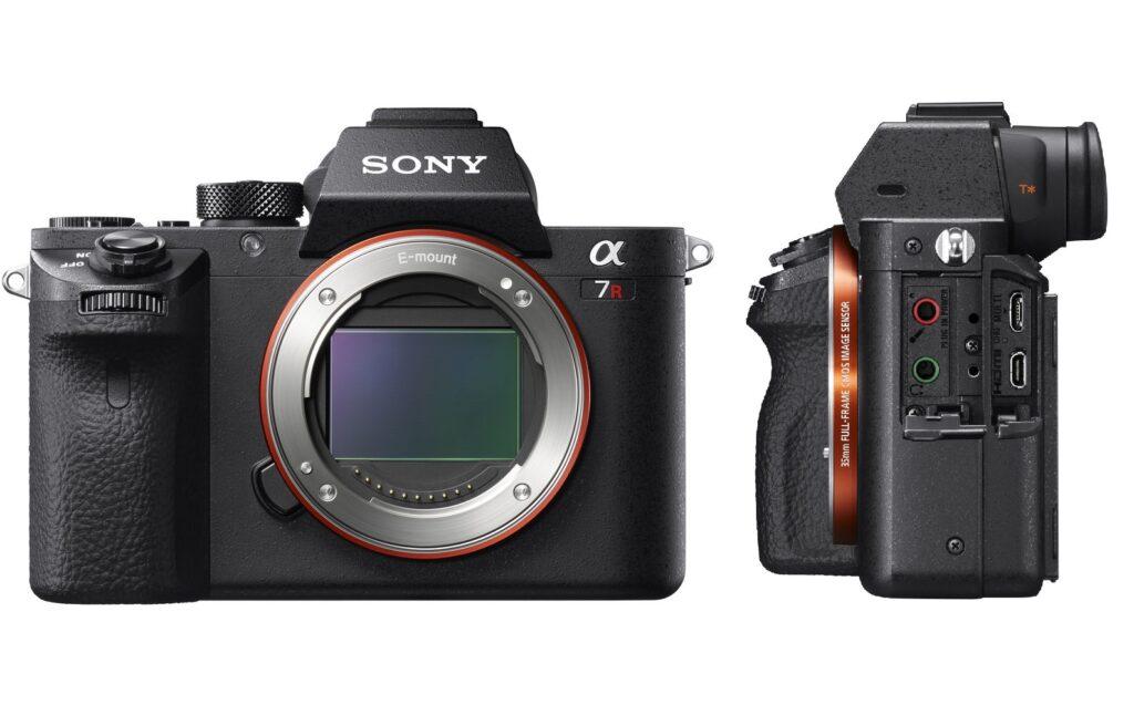 Sony A7R II está frente à um fundo branco