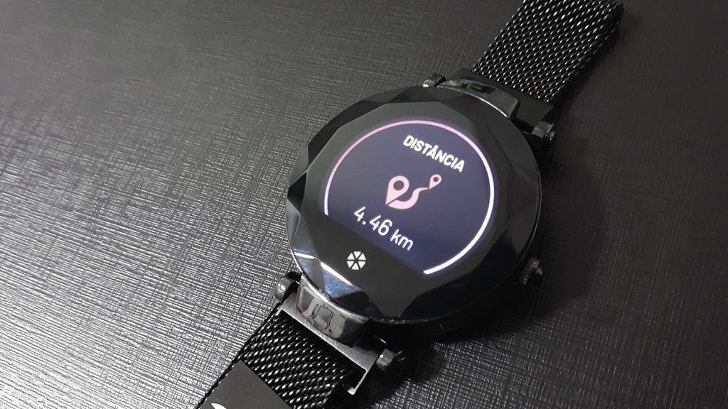 Atrio paris, relógio inteligente, mostrando distância percorrida (4,46 km)