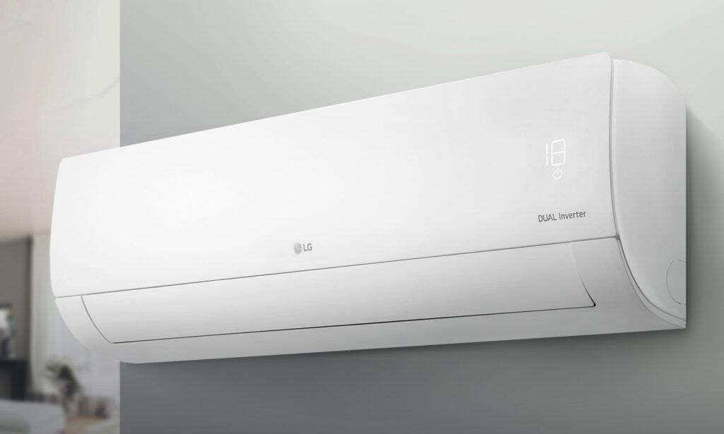 Ar-condicionado da LG, um dos elotromésticos mais populares no Zoom, em diagonal sobre fundo branco