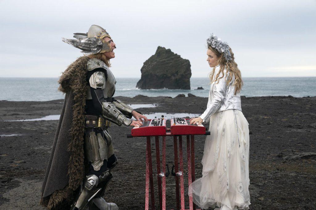 Cena do filme da netflix festival eurovision da canção: a saga de sigrit e lars